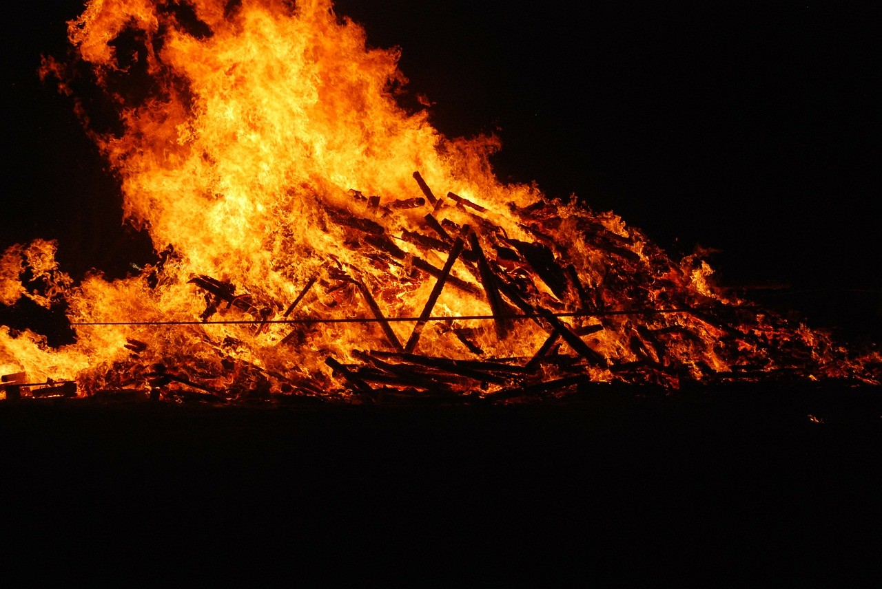 funeral-pyre-232504_1280